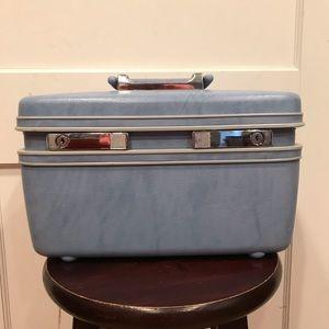 Samsonite blue travel train case